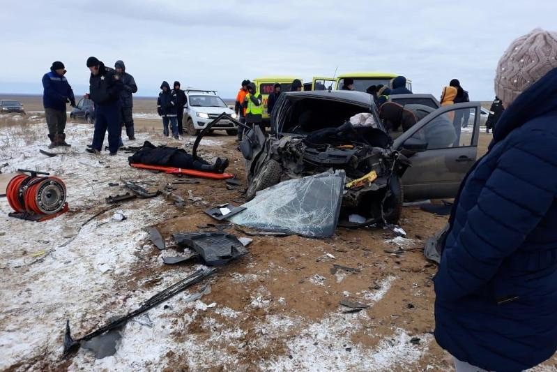 Head-on collision claims lives of 2 in Atyrau region