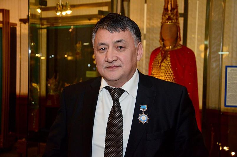 Қазақ тілін реформалаймыз десек, тәуекелшіл қадамдар қажет – Болат Жексенғалиев