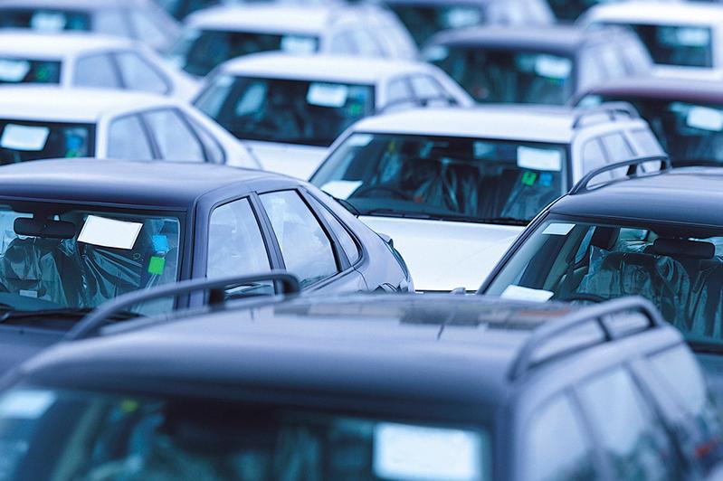 За неуплату алиментов изымают автомобили в Алматы
