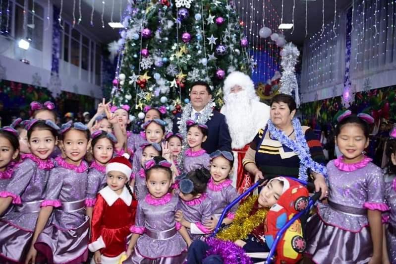 Новогодняя елка акима прошла в Шымкенте