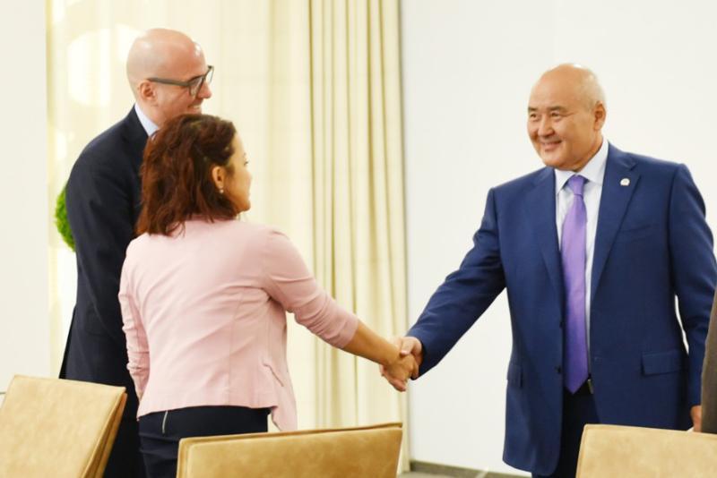 Умирзак Шукеев встретился с инвесторами из Италии