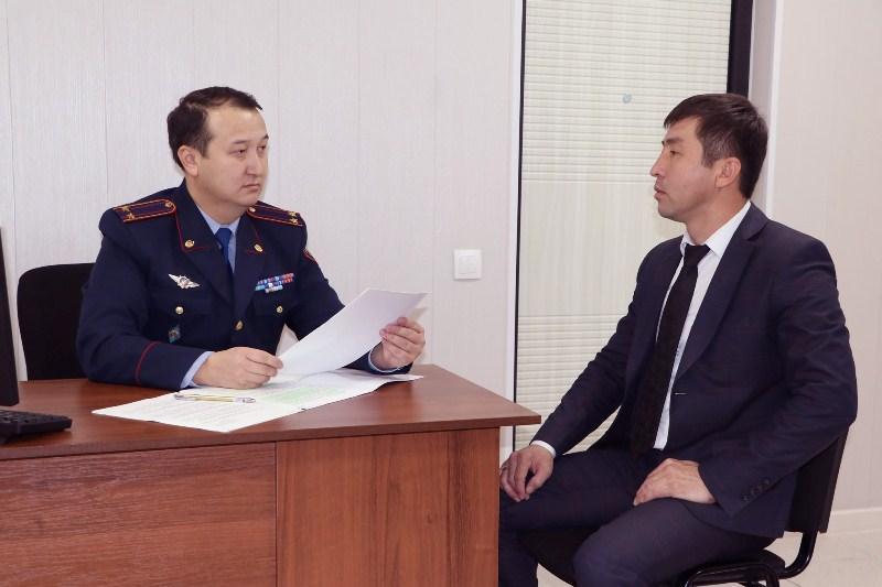Выпускников вузов Шымкента принимают на работу в департамент полиции