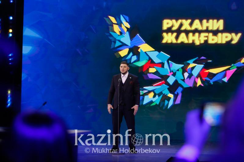 100 jańa esim: Aýyr atletıkadan bapker Olımpıadanyń altyn medalin ákelýge ýáde berdi