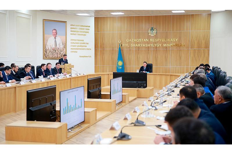 政府总理主持召开畜牧业发展工作会议