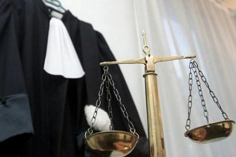 哈萨克斯坦最高法院数名法官就职