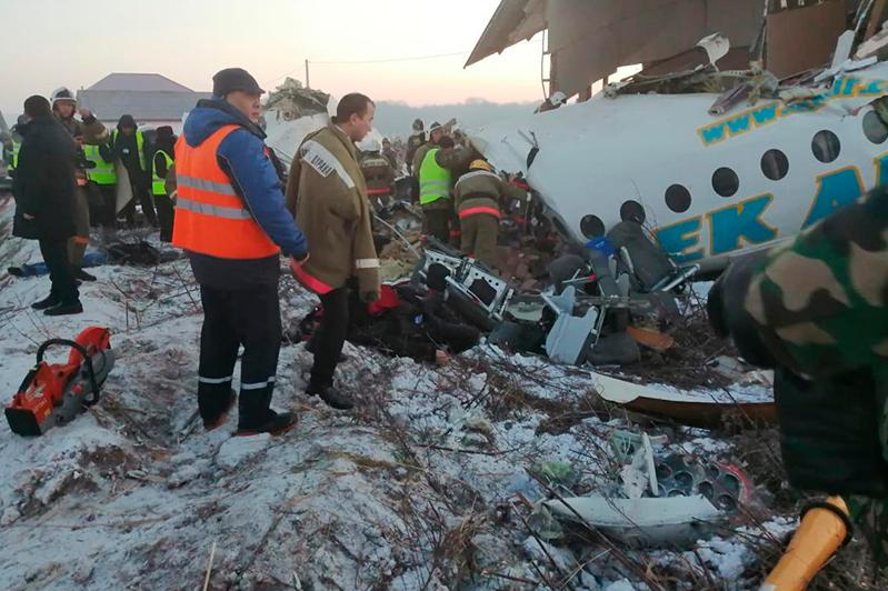 Самолет упал близ Алматы: есть погибшие