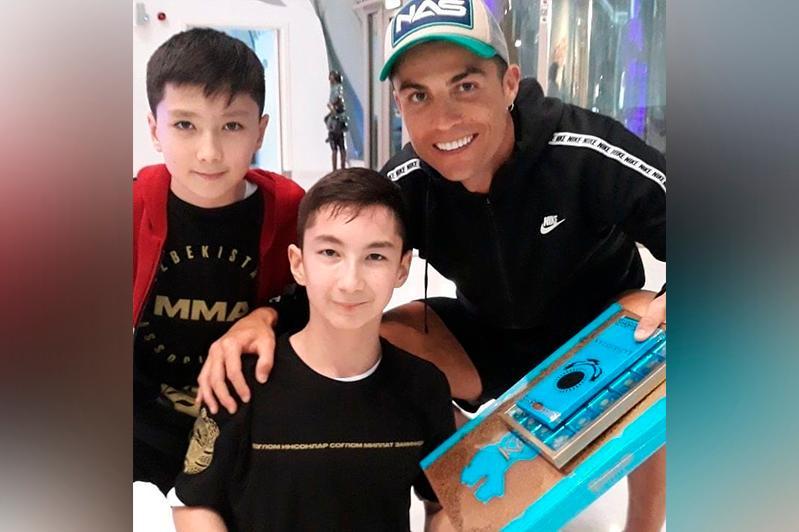 Криштиану Роналду восхитился казахстанским мальчиком Али