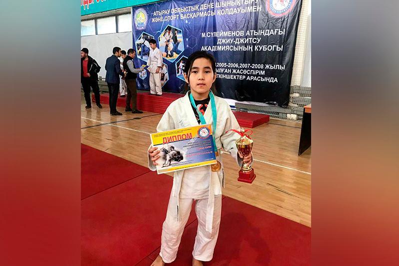 11-летняя девочка выиграла турнир по джиу-джитсу среди мальчиков в Атырау