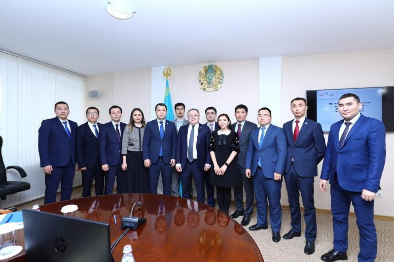 12 актюбинских госслужащих вошли в Президентский молодежный резерв