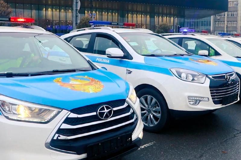 Шымкентским полицейским передали 109 новых автомобилей