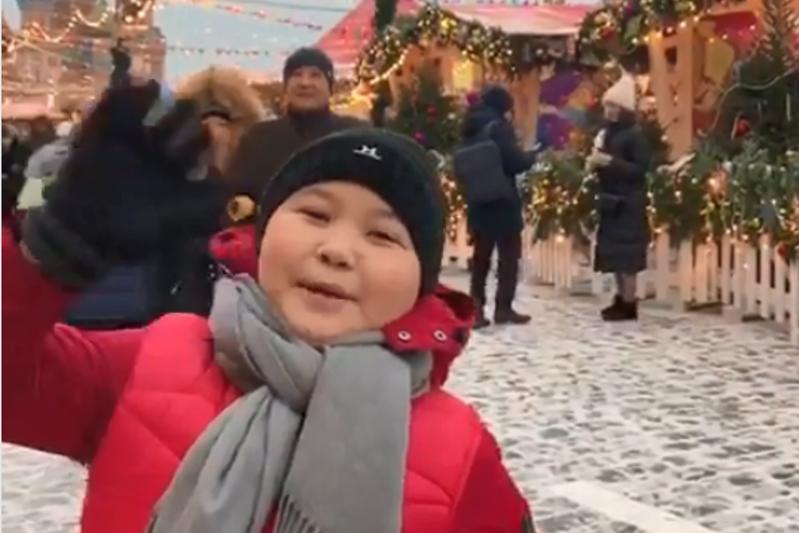 Ержан Максим поздравил казахстанцев с Новым годом