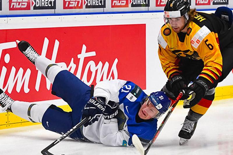 Хоккей: Қазақстан жастары бірінші дивизионға түсіп қалды