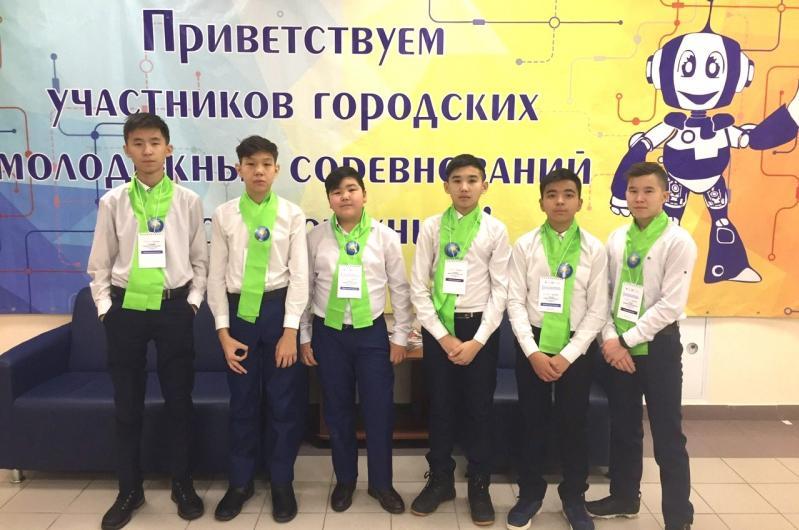 Проект павлодарских школьников победил на фестивале роботов в России