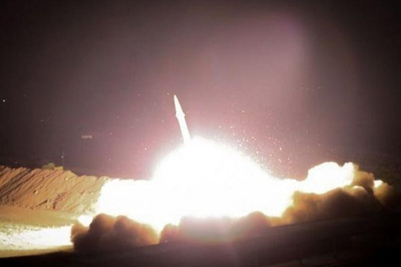 Иран Ирактағы АҚШ-тың екі әскери базасын зымыранмен атқылады