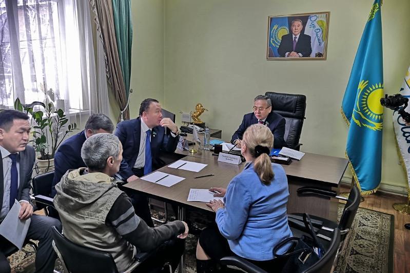 Мәжілісмендер Алматы облысы тұрғындарыныңөтініш-тілектерін тыңдады