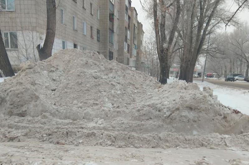 Более 100 нарушений по уборке снега выявили за сутки в Павлодарской области