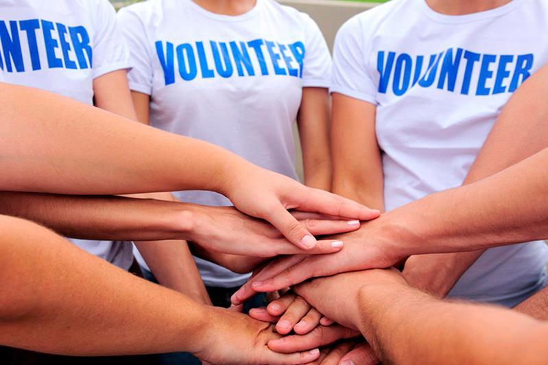 阿克托别市向大学生提供有偿志愿工作
