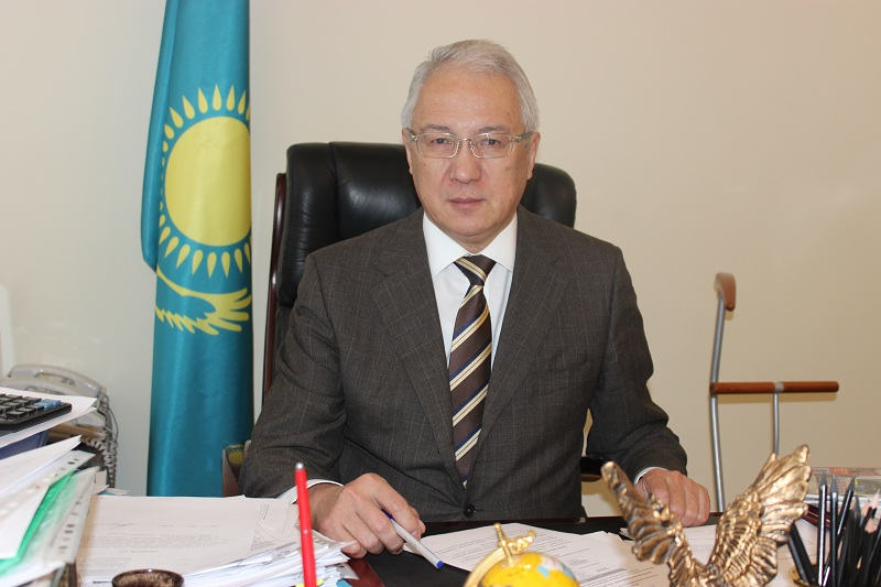 Популяризировать людей, создающих имидж страны – Махметгали Сарыбеков о статье «Абай и Казахстан в XXI веке»