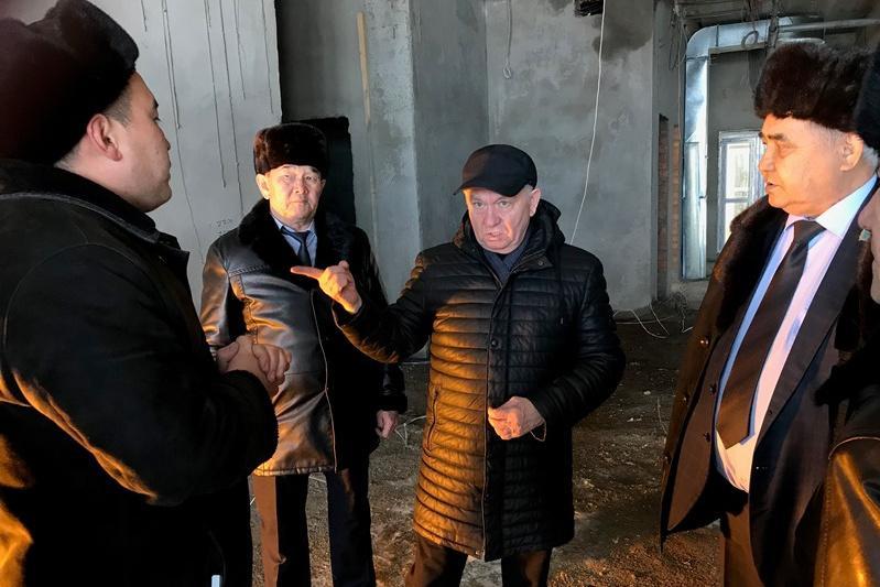 Сенаторы разъяснили новые законы трудовым коллективам ряда регионов