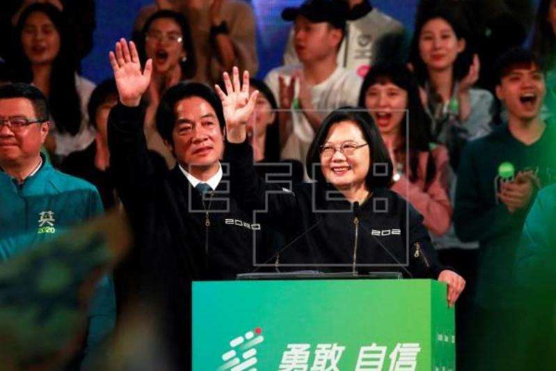Taiwan presidential campaign closes with incumbent ahead in polls