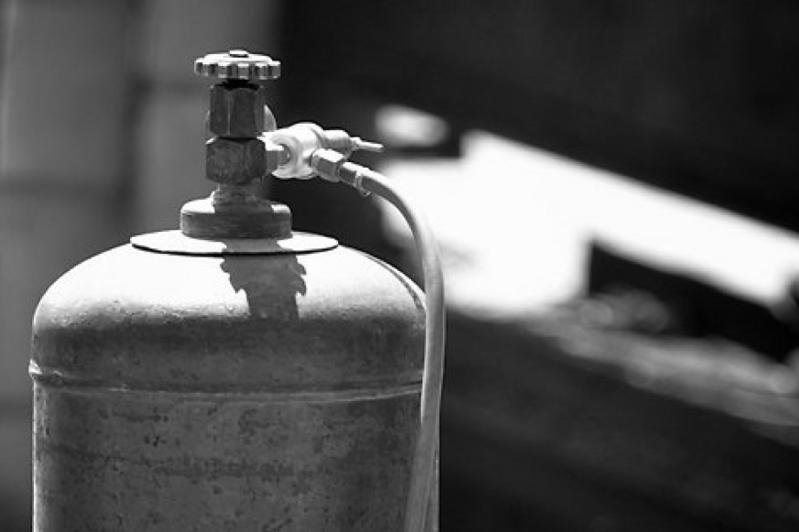 От взрыва баллончика от газовой горелки скончался пенсионер в Акмолинской области
