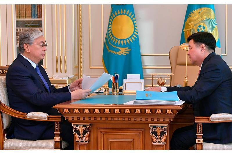 托卡耶夫总统接见最高法院院长
