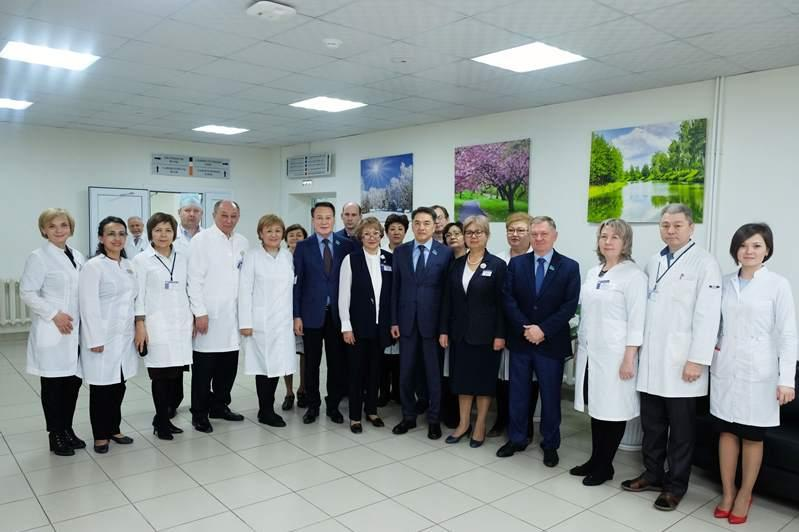Аскар Шакиров в рамках выездов депутатов в регионы посетил Карагандинскую область
