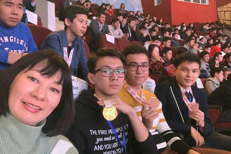 Kazakh student grabs gold at Int'l Zhautykov Olympiad