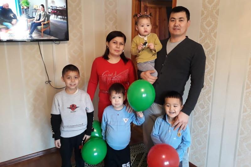 Многодетная семья за месяц смогла купить квартиру в Туркестанской области
