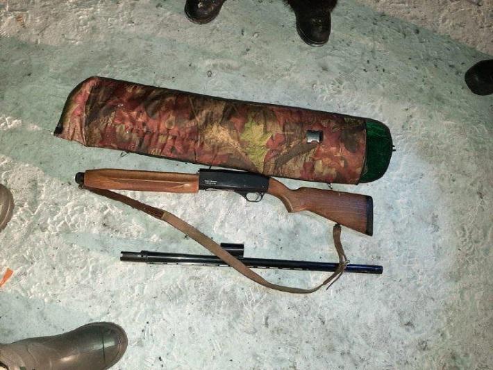 Браконьера с полным багажником мяса задержали в Карагандинской области