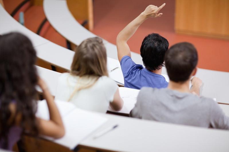 «Чистая» сессия: экзамены под видеонаблюдением сдают студенты СКО