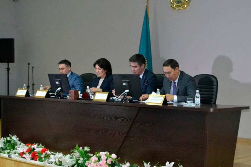 Готовность Восточно-Казахстанской области к внедрению ОСМС обсудили в Семее