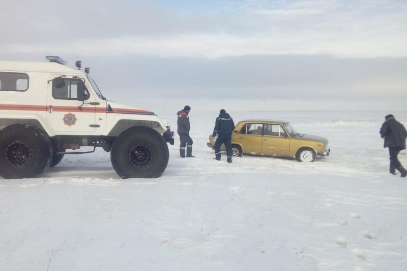 Двоих рыбаков спасли в Павлодарской области