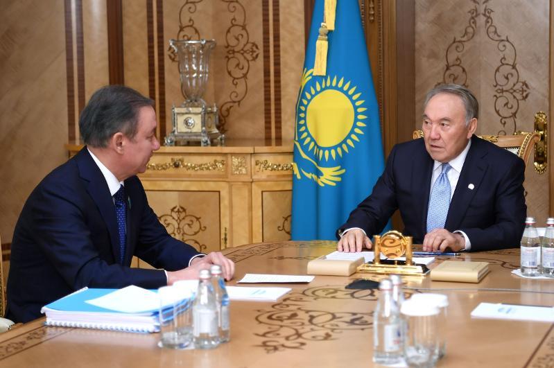 Nursultan NazarbaevParlament MájilisinińTóraǵasynqabyldady