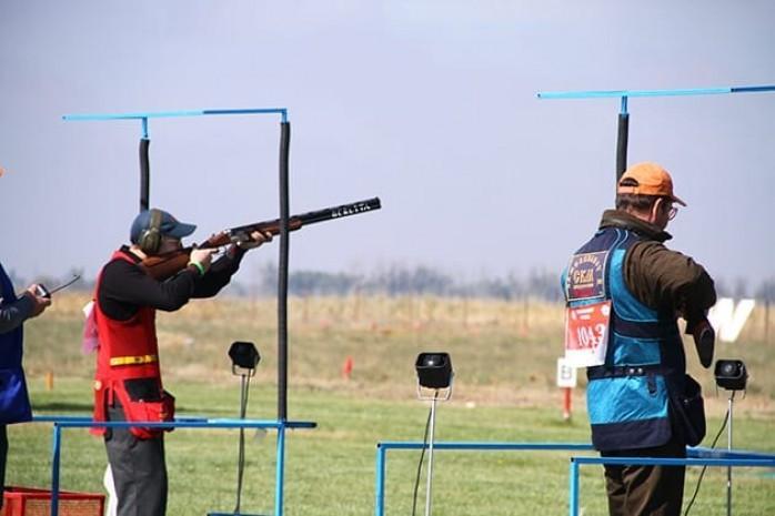 哈萨克斯坦射击运动员在科威特荣获三枚奖牌