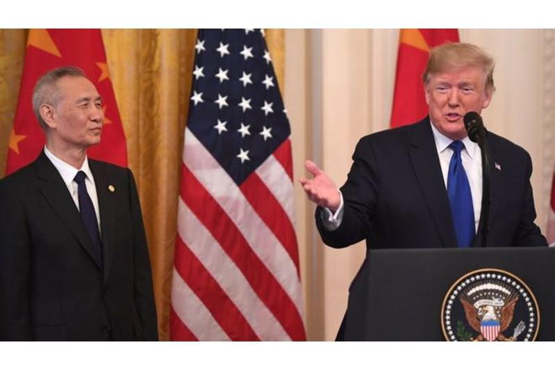 АҚШ пен Қытай сауда соғысын әлсіретуге бағытталған келісімге қол қойды