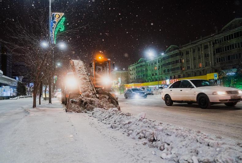 Алтай Кульгинов проконтролировал ход своевременной уборки и вывоза снега в столице