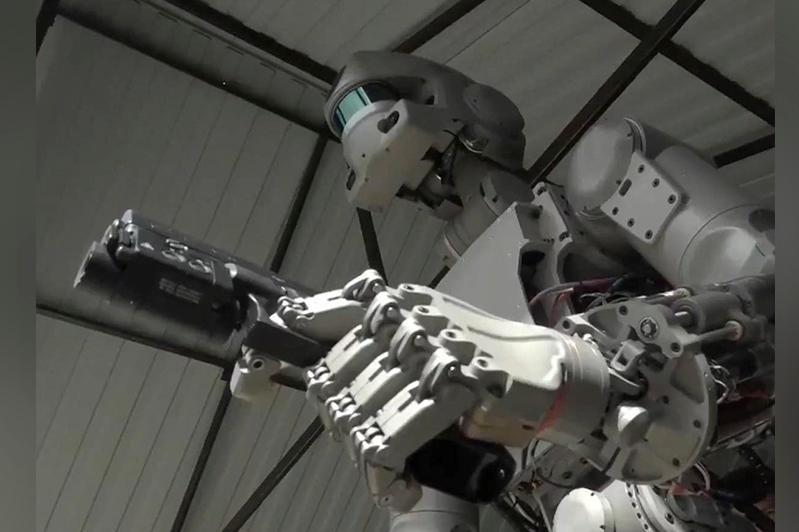 Ǵalymdar «tiri robot» qurastyrdy