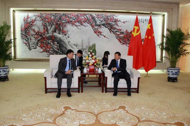 驻华大使会见中国中共中央对外联络部副部长