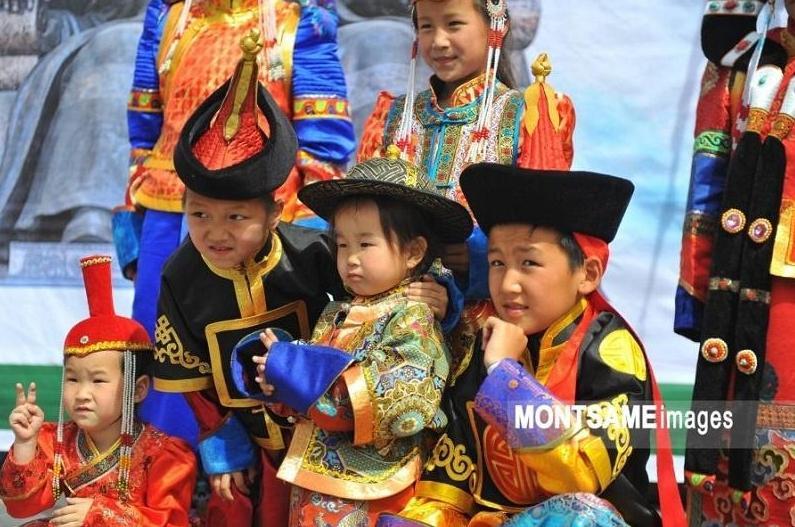 蒙古国人口达到330万