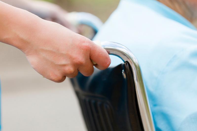 В Павлодарской области договоры на услуги помощника инвалида будут заключать напрямую