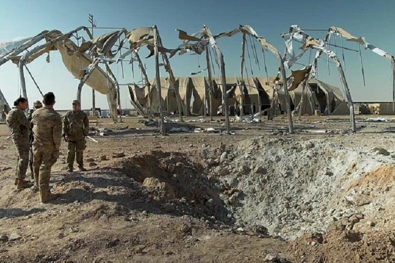 Ирактағы АҚШ әскери базасына жасалған шабуылдан 11 адам жарақат алды