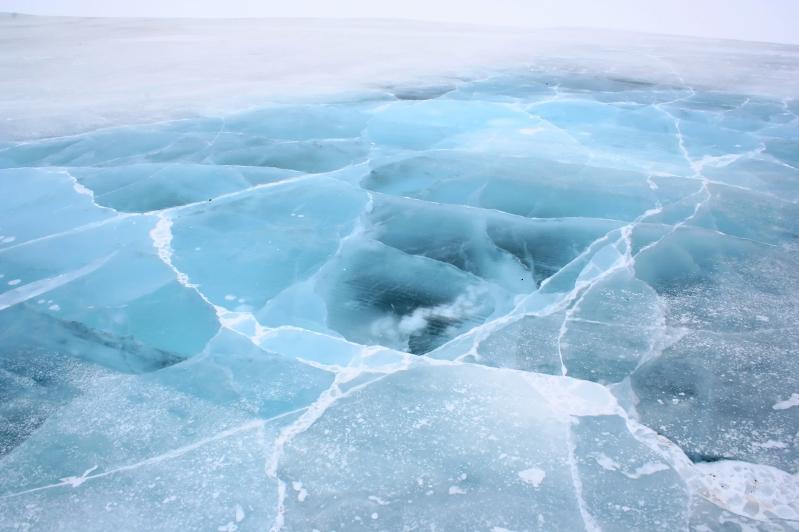 О критической толщине льда на реке Есиль предупредили жителей СКО
