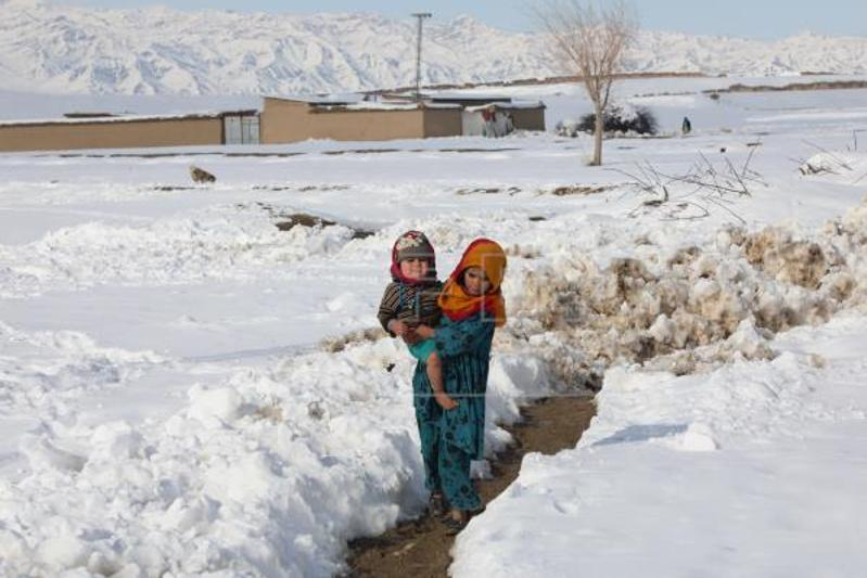 Girl survives 18 hours under collapsed house, snow in Pakistan