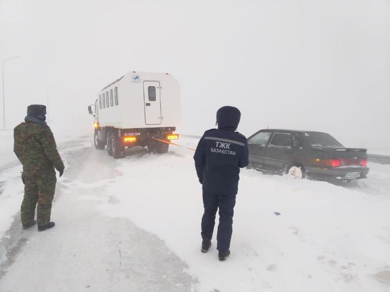 Более 110 человек спасли из снежных заносов в Карагандинской области