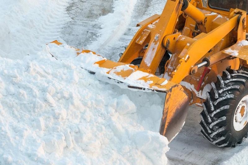 В Павлодаре с улиц за день вывезли 2,5 тысячи тонн снега