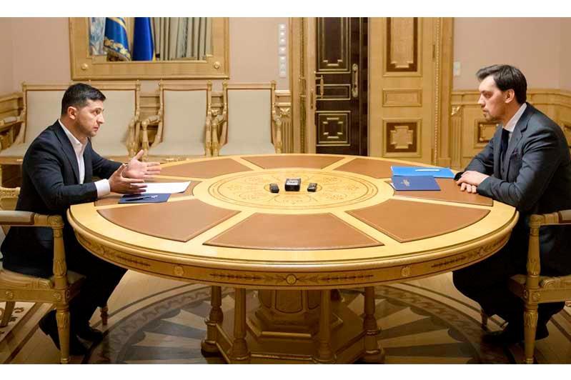 Украина Президенті Гончарук Үкіметіне тағы бір мүмкіндік берді