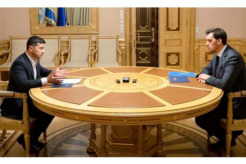 乌克兰总统驳回总理辞呈