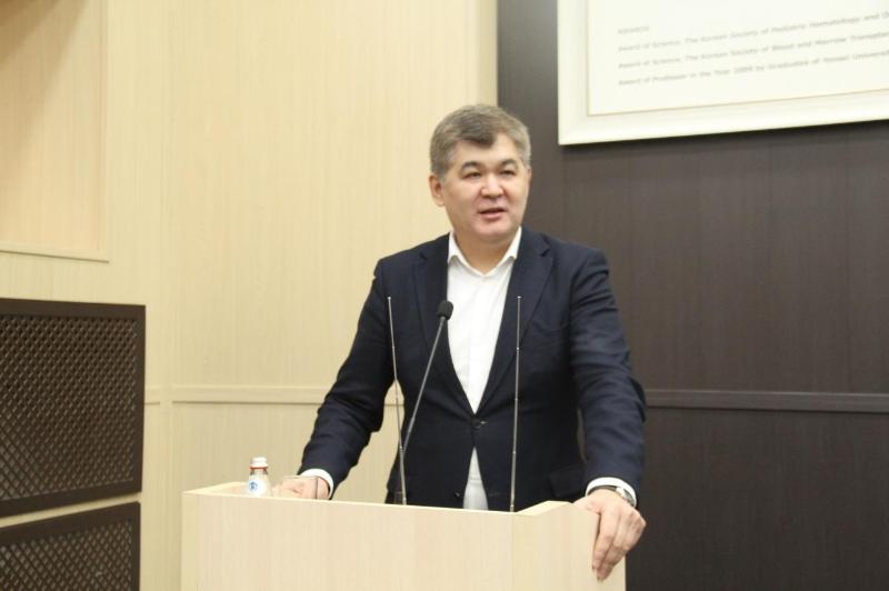 EljanBirtanov bolashaq dárigerlermen kezdesti