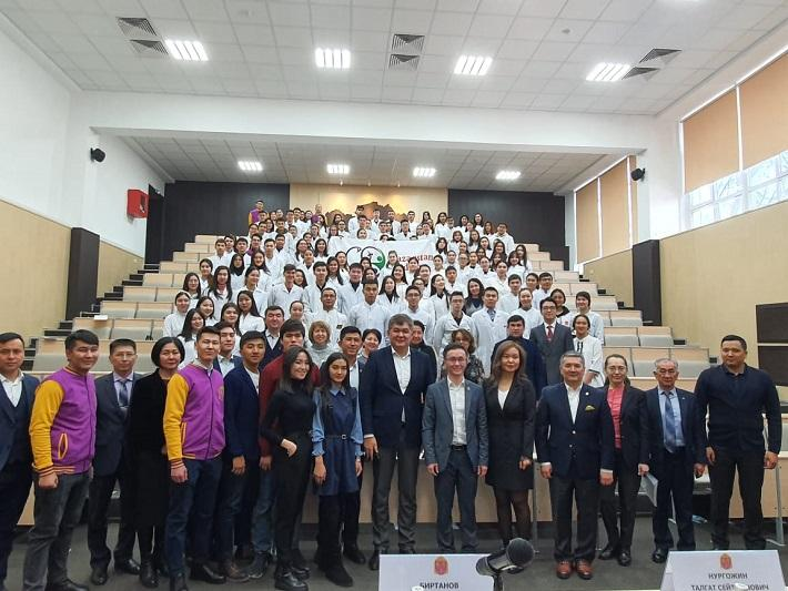 Елжан Биртанов дал в Алматы официальный старт медицинскому волонтерству